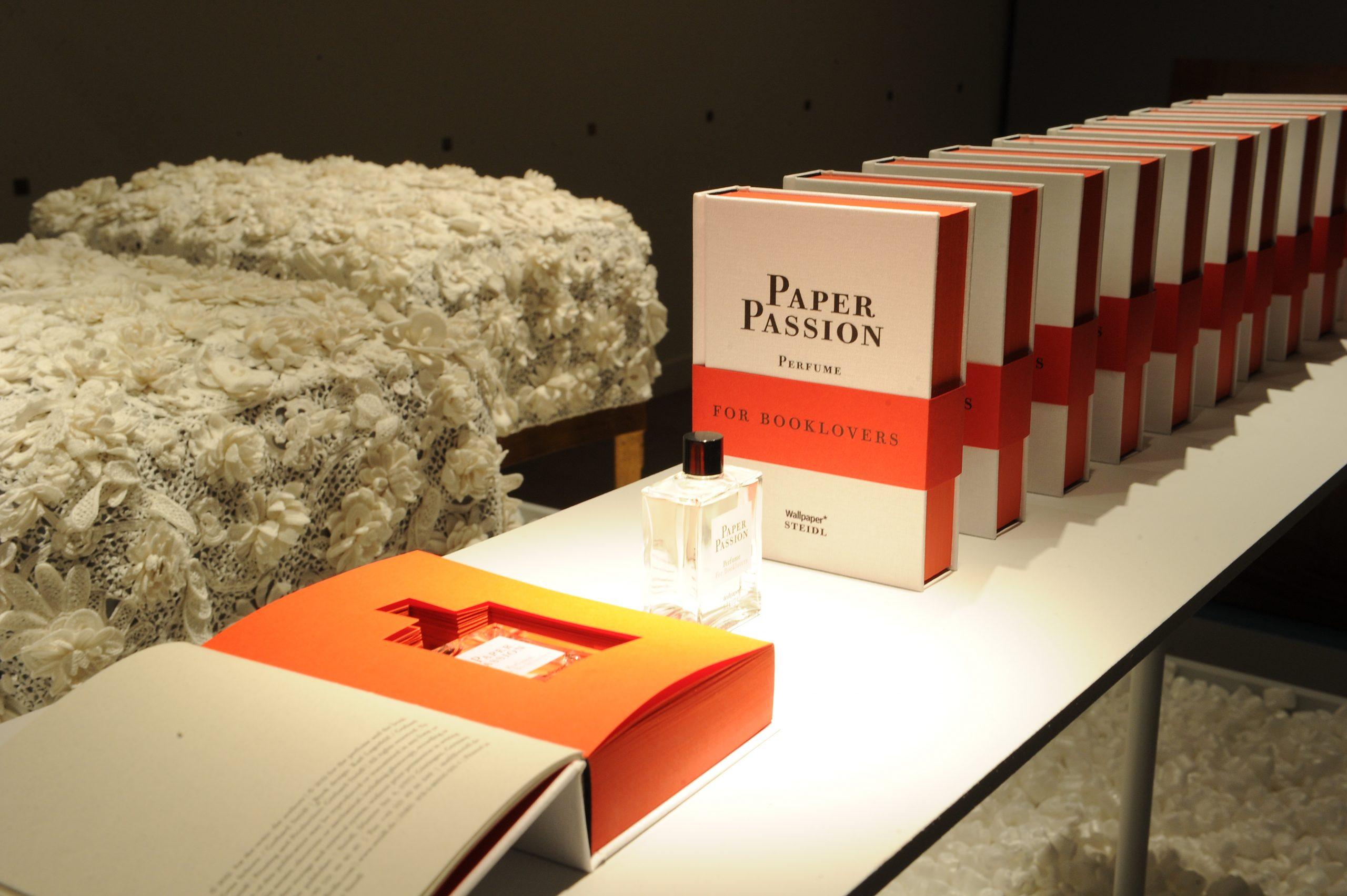 A apărut parfumul cu miros de ziar sau carte proaspăt tipărită