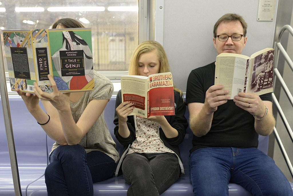 Zece edituri din România s-au aliat şi au chemat în judecată biblioteca pentru corporatişti Bookster pentru concurenţă neloială